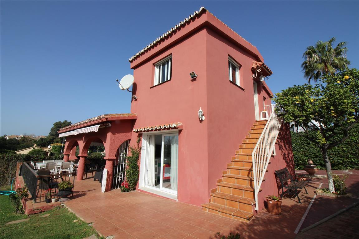 Villa next to the beach in the area of Lindavista, San Pedro de Alcantara, and next to the golf cour, Spain