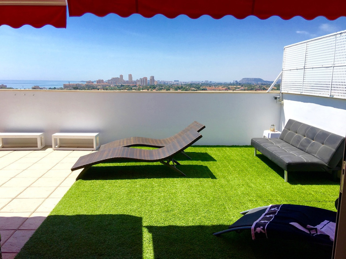 Penthouse, 3 bedroom, south-facing with 50m2 terrace all on one level, in El Campello with sea view., Spain