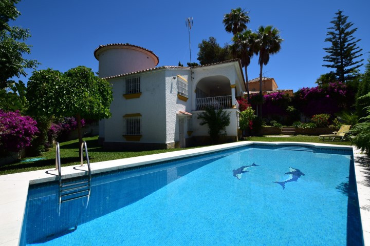 EXCLUSIVE AND SINGULAR FAMILY VILLA IN EL REAL PANORAMA, A FEW MINUTES WALKING FROM MARBELLA CENTER ,Spain