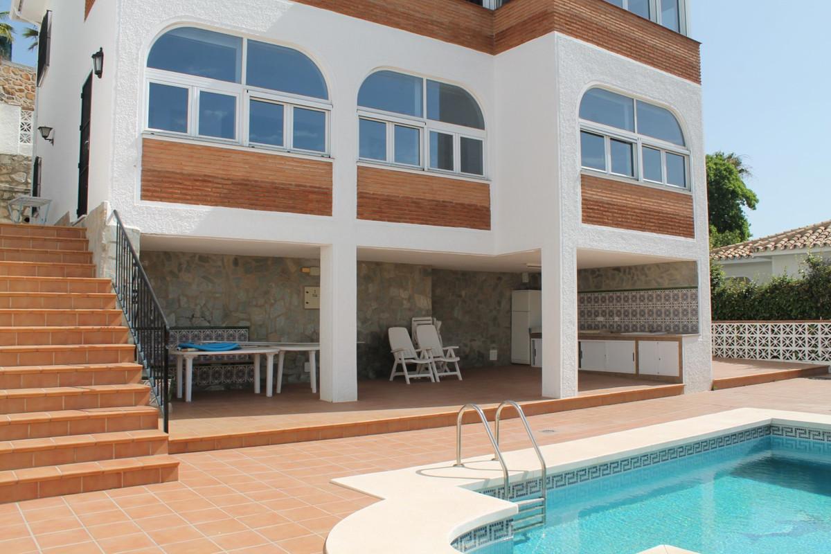 Detached Villa, Benalmadena Pueblo, Costa del Sol. 3 Bedrooms, 3 Bathrooms, Built 228 m², Garden/Plo,Spain