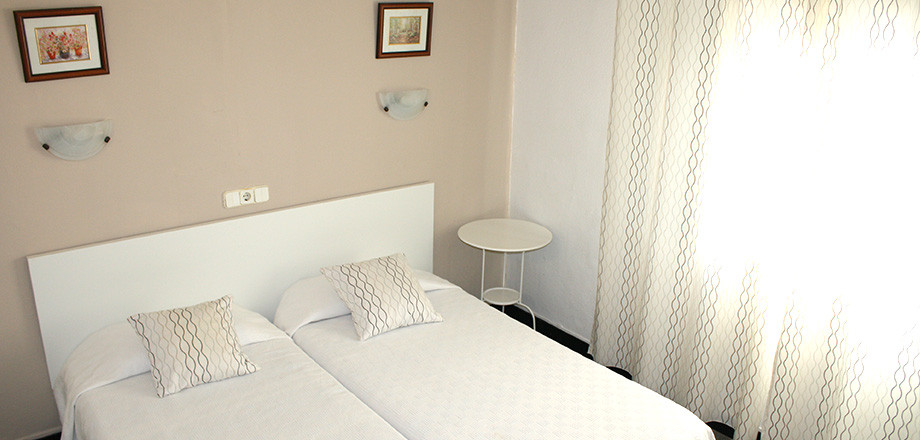 HOSTAL ** located in Palma city very close to the promenade, has 29 rooms with outdoor pool, lounges, Spain