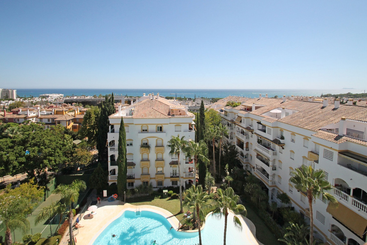 SEA VIEWS - South East facing four bedroom corner duplex penthouse in a gated complex within walking,Spain