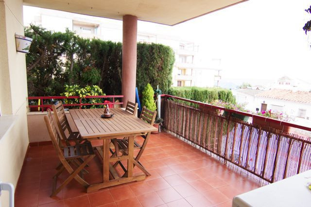 Beautiful apartment 3 bedrooms 2 baths. At only 50 meters walking distance to the beach. Sea views a,Spain
