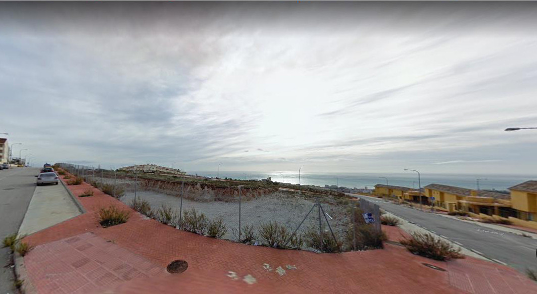 Nice plot of 8140 M2 where 56 units can be built type Mediterranean village. A basic project for 2 a Spain