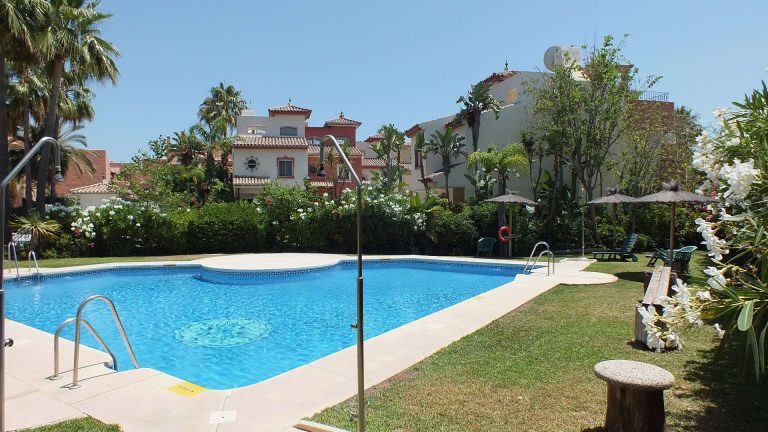 Wonderful beachside townhouse in Garden Beach on the East side of Estepona in an excellent location , Spain
