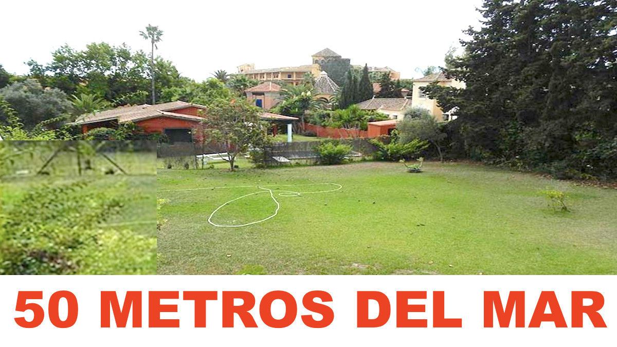 INVESTMENT GUARANTEE.  Plot with house to reform within 500 meters from the sea. In the most sought ,Spain