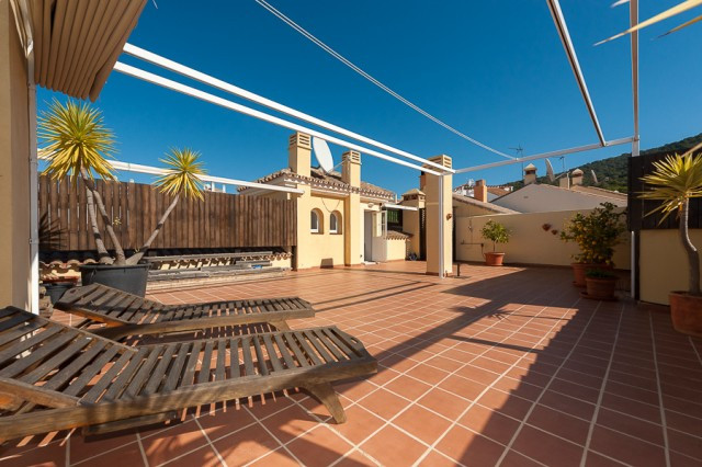 Originally listed for 430,000€ and recently reduced to 395,000€.  The best penthouse in all Alhaurin,Spain