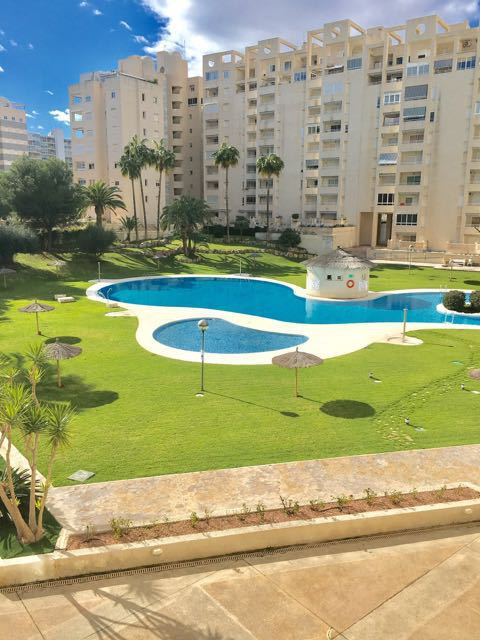 Delightful apartment with outdoor terrace in one of the best residences, 300 meters from the Muchavi, Spain