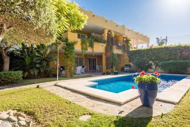 GUADALMINA ALTA: Absolutely immaculate semi detached villa in one of the most sought after urbanizat,Spain