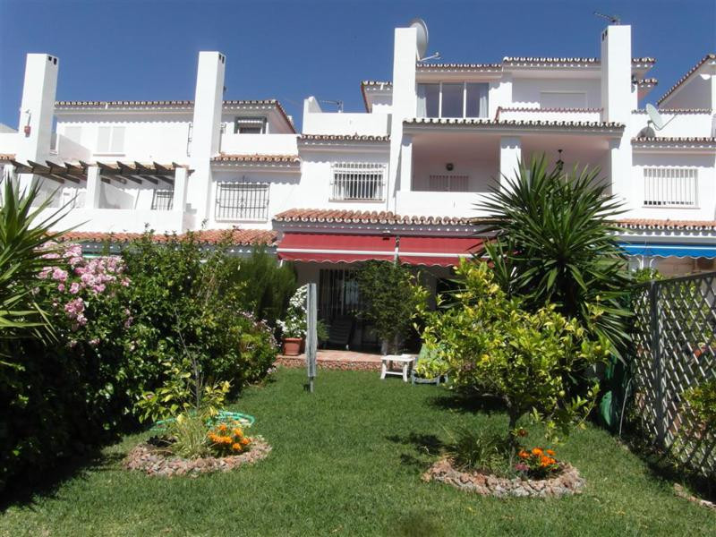 Close to Lauro Golf and about a 20 minute drive from the beaches of the Costa del Sol you find this ,Spain