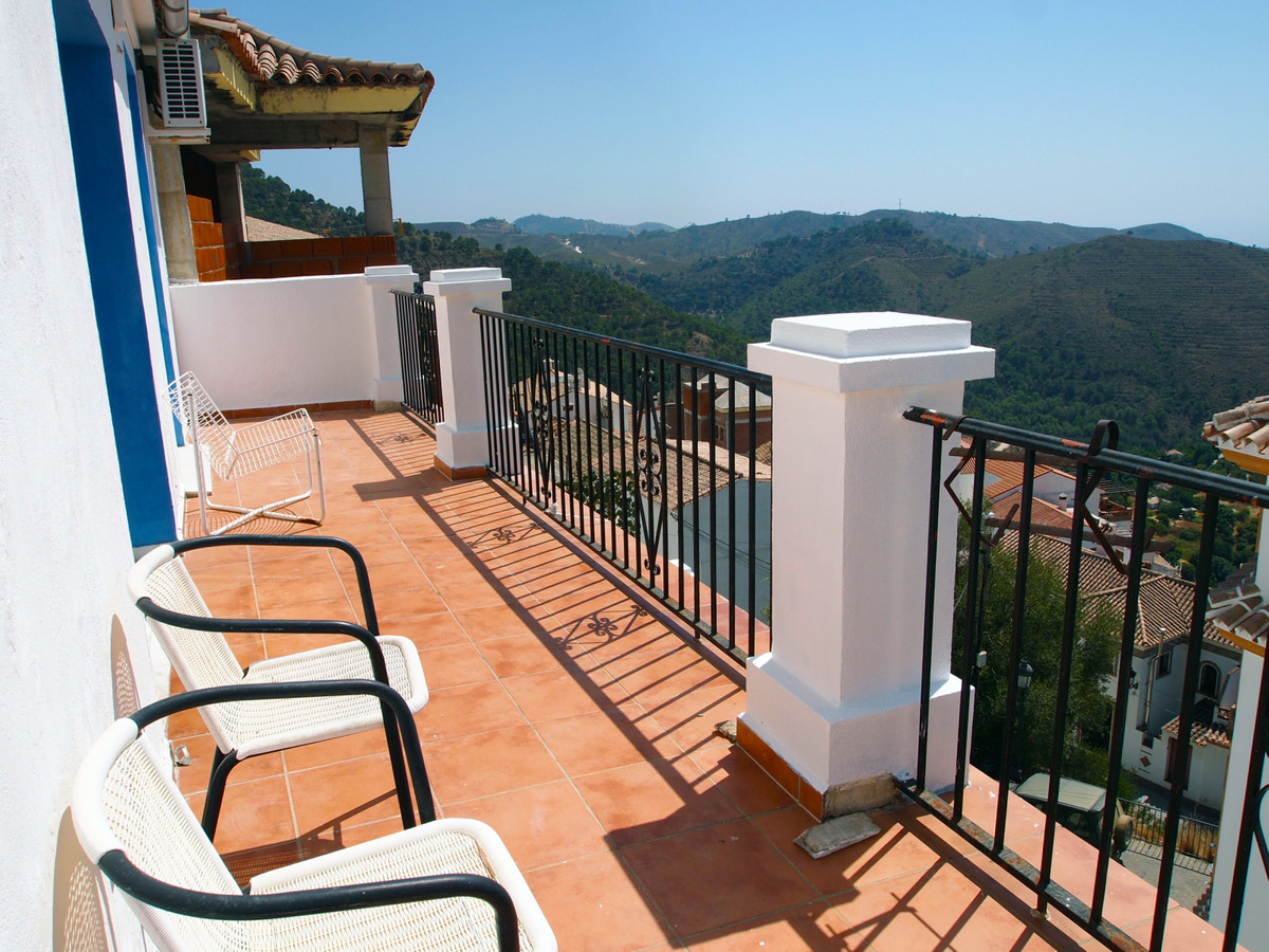 A huge property with sea views; located in the charming village of Ojen and only a 10 minute drive t,Spain