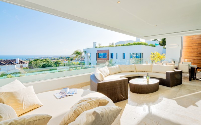 This luxury apartment in excellent condition features a spacious living room with a fireplace lounge,Spain