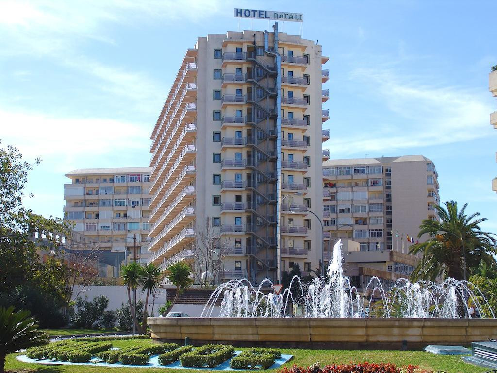 3 star HOTEL run to full capacity. 415 guestrooms. 11 floors Totally refurbished in 2015. Great loun, Spain