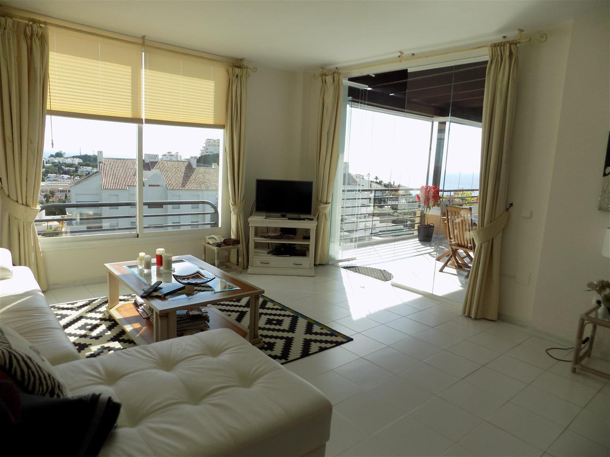 Absolutely stunning 2 bed apartment on the first floor of Los Altos de Miraflores. As soon as you en, Spain