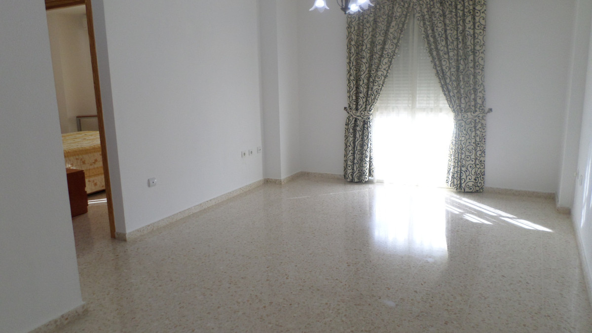 Beautiful appartment in a first floor in the center of Alhaurin, near of all the services: schools, ,Spain