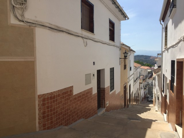 Fantastic town house consisting of 2 floors, each with the possibility of convertila in an independe,Spain