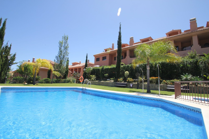 This lovely townhouse would be a perfect home with its nice sea views and brilliant location in a qu,Spain