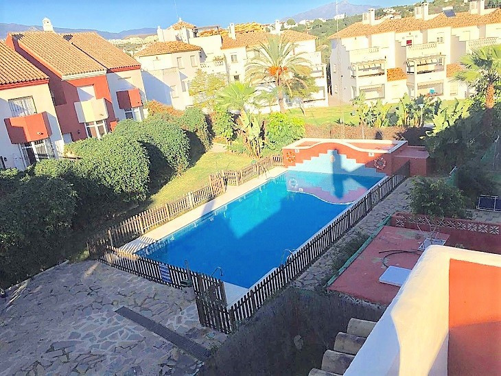 This amazing well reformed to high and contemporary standard townhouse is on the market and priced t, Spain