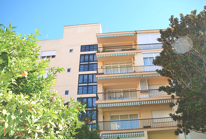 Apartment for sale located in the center of Marbella. With 1 room expandable to 2 and 1 additional b,Spain