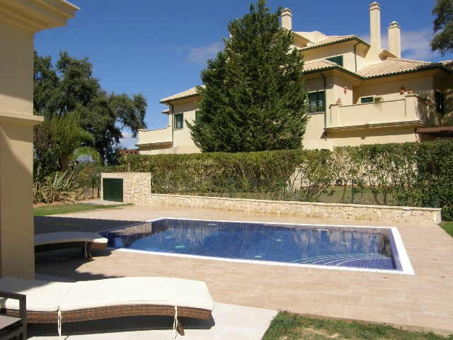 San Roque Golf: Large 3 bedroom 3 bathroom garden apartment with private swimming pool and south fac,Spain