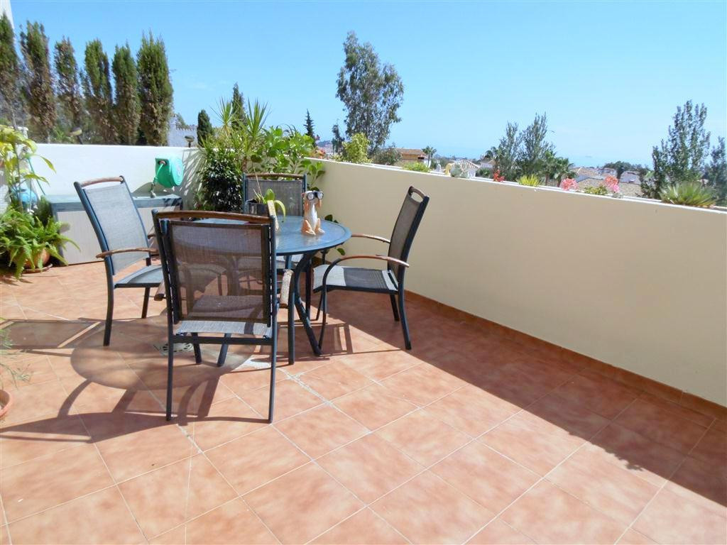 Beautiful sunny apartment for sale on the outskirts of Fuengirola, on the Costa del Sol. This apartm,Spain