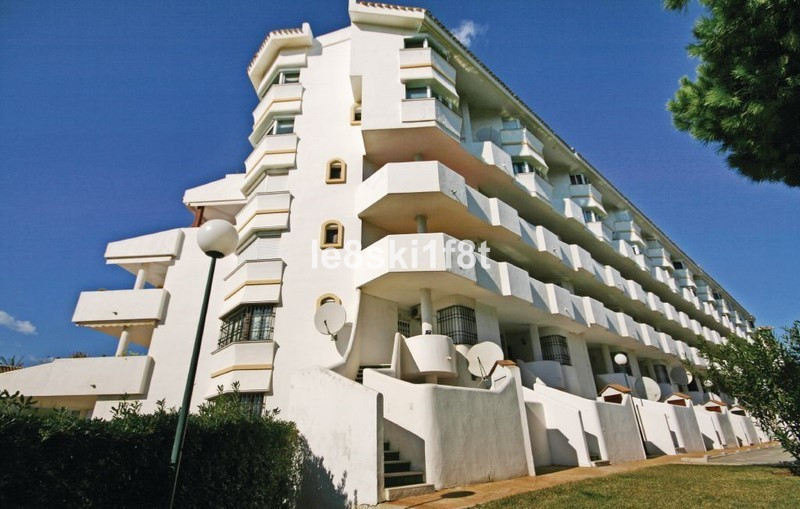 Fantastic 2 bed beachside apartment with large south west facing terrace and with seaviews plus view, Spain
