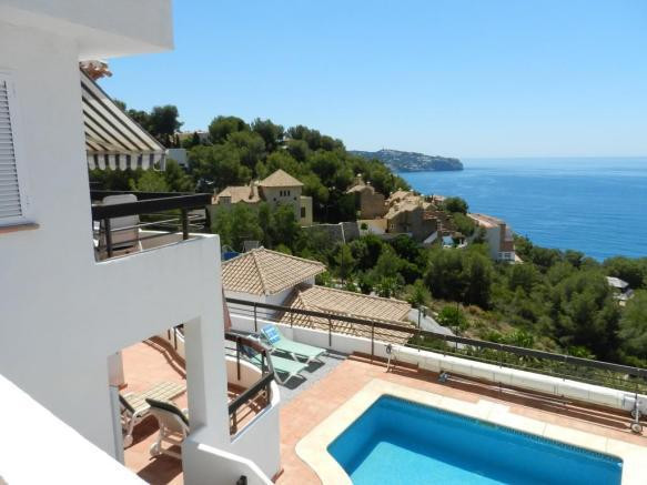 Villa with stunning views of the sea, three good sized bedrooms and private pool.  A really great fa, Spain
