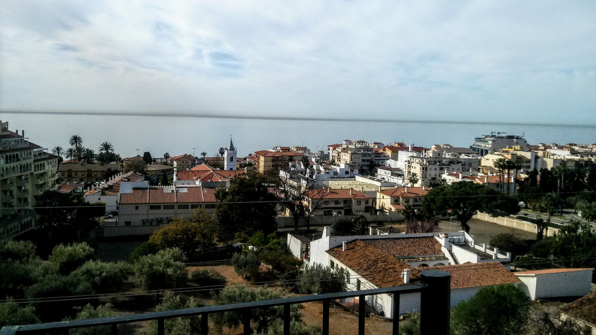 Penthouse in Rincon de la victoria. 103m2 plus a 95m2 solarium terrace. 3 bedrooms 2 baths, Communal, Spain