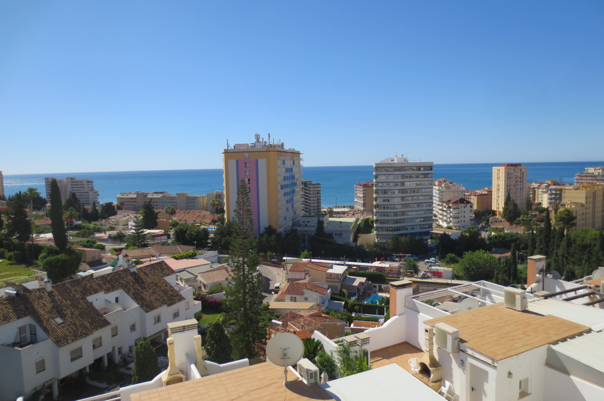 FOR SALE SIDED IN CLOSED ENTRANCE WITH LARGE TERRACE SEEN TO THE SEA, SITUATED CLOSE TO TORREBLANCA ,Spain