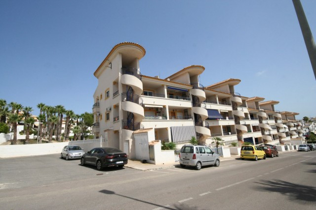 Wonderful apartment located in Orihuela Costa, next to several golf courses such as the Villamartin , Spain