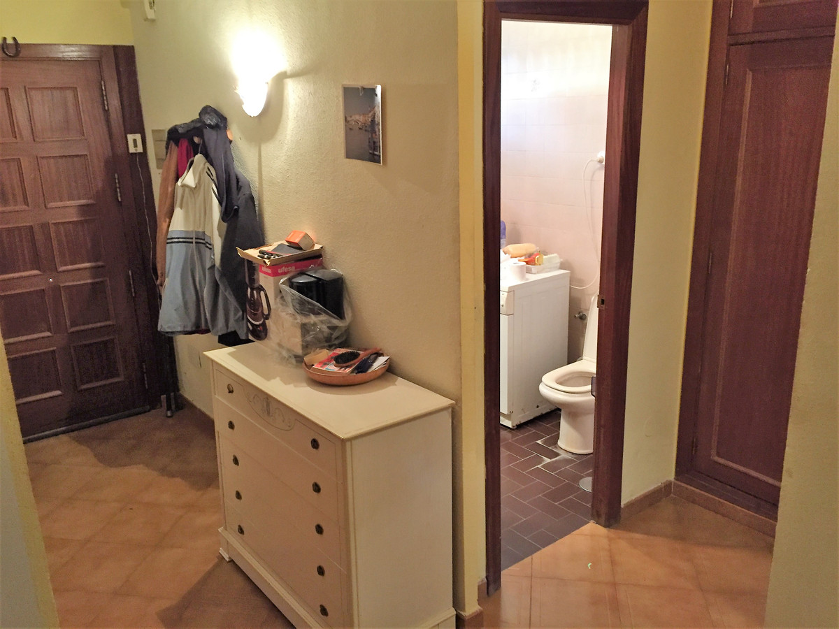 Great location, less than 5 min walk from beach. Near all the needed services and train station. Low,Spain