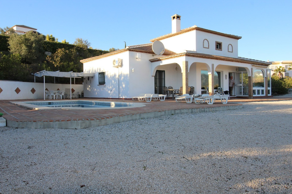 Wonderful Villa in La Vinuela, with stunning views of the mountain and the lake. The house has about, Spain