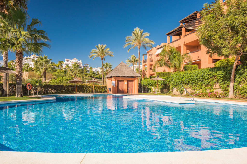 COZY 2BED/2BATH APARTMENT WITH PRIVATE GARDEN!!  This spacious ground floor apartment is located in , Spain