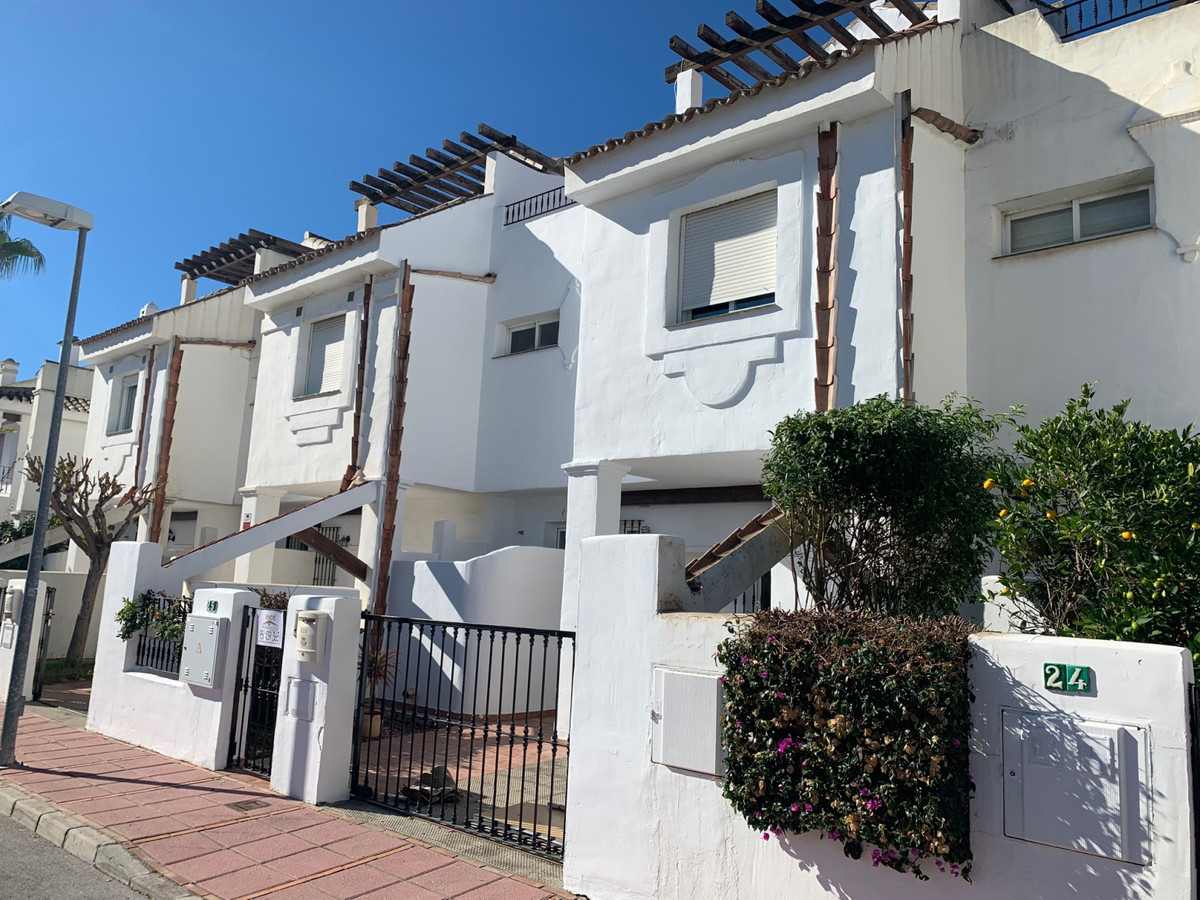 Townhouse in Los Naranjos de Marbella with 3 bedrooms and 3 bathrooms. Large living room with firepl, Spain