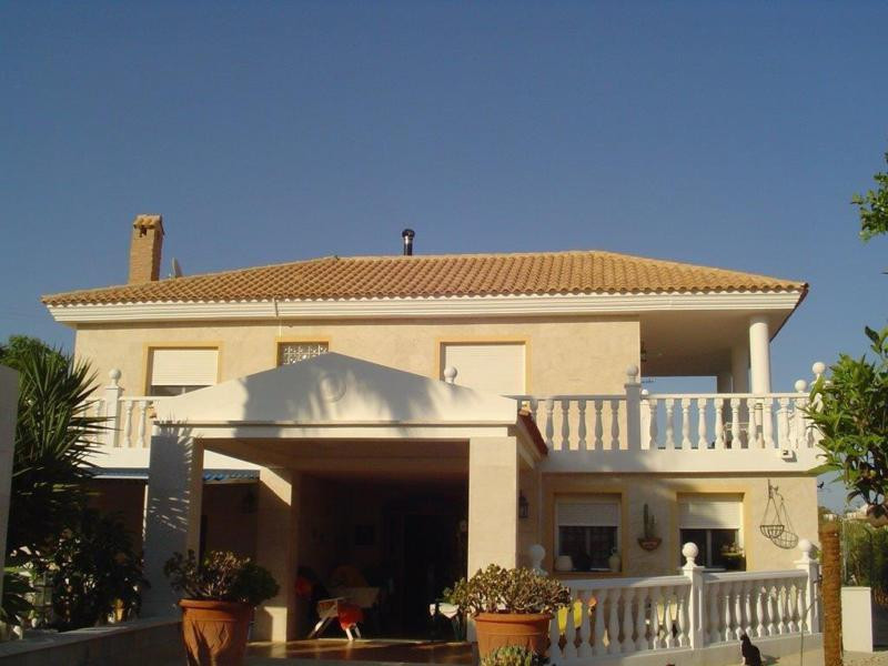 Luxurious, well built and spacious 6 bedroom villa in San Vicente, Alicante  This villa is located i, Spain