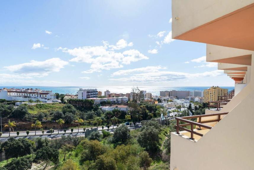 Nice apartment for sale  located in the area of ??Benalmadena- Torremolinos, near Puerto Marina, goo, Spain