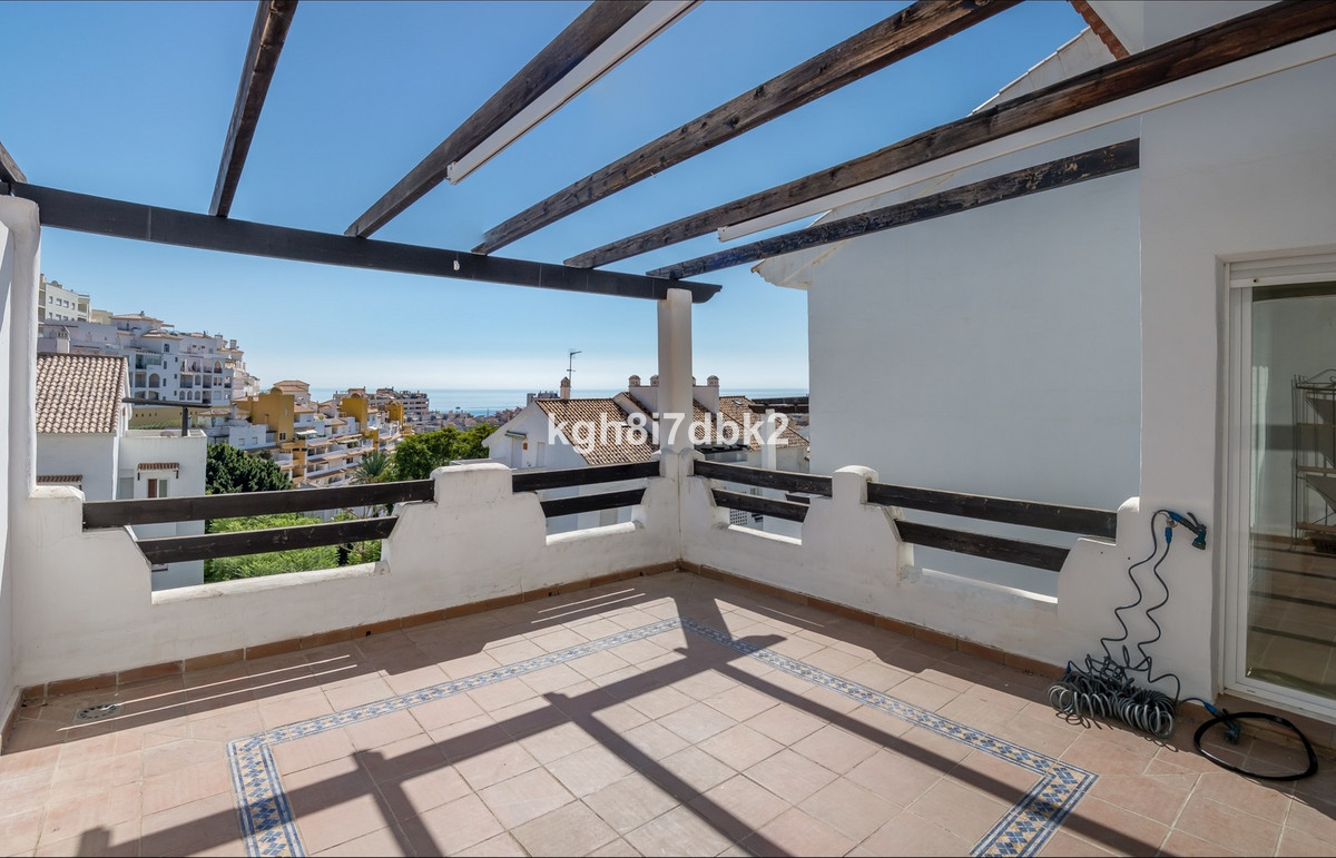 Duplex penthouse in gated urbanisation. 2 spacious terraces with the sea view. Communal areas with 3,Spain