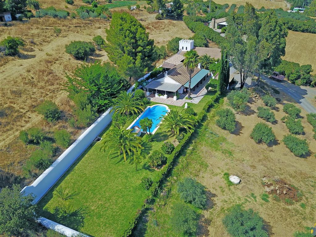 """An impressive country house situated on the Rio Grande! This rural property is a """"must see"""" if you a,Spain"""