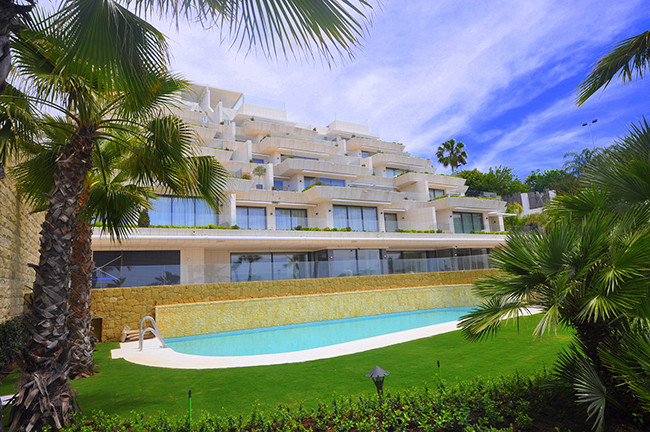 The apartment is located en Les Rivages, Estepona and its composed of two bedrooms and two baths wit,Spain
