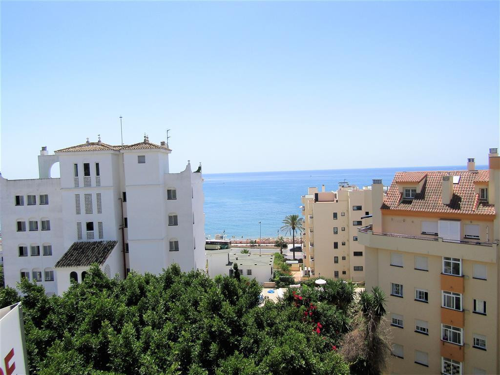Middle Floor Apartment, Benalmadena Costa, Costa del Sol. 3 Bedrooms, 1 Bathroom, Built 93 m², Terra, Spain