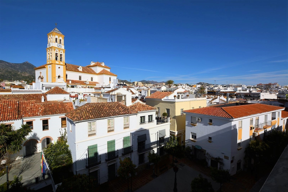 Fantastic penthouse in the middle of Marbella! The property is distributed in two floors, lower floo,Spain