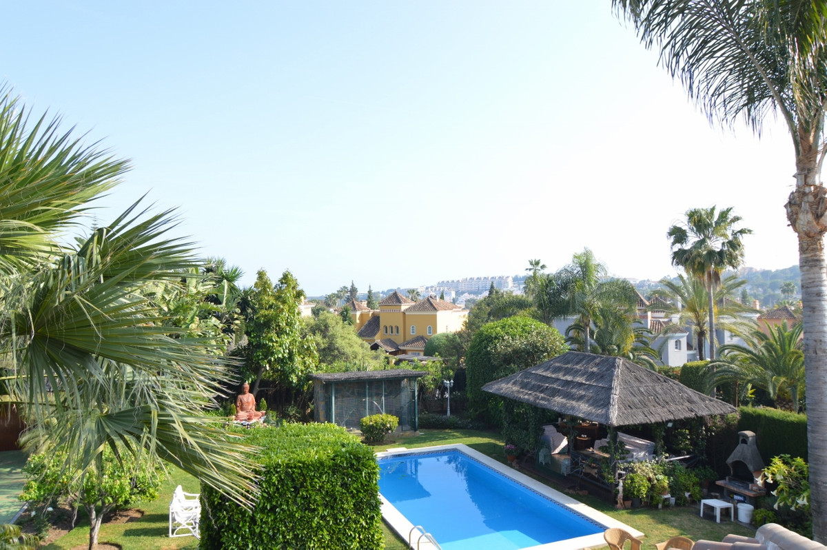 Nueva Andalucia, PRICE REDUCED for a quick sale!  Amazing  & Elegant villa in one of the best pr,Spain