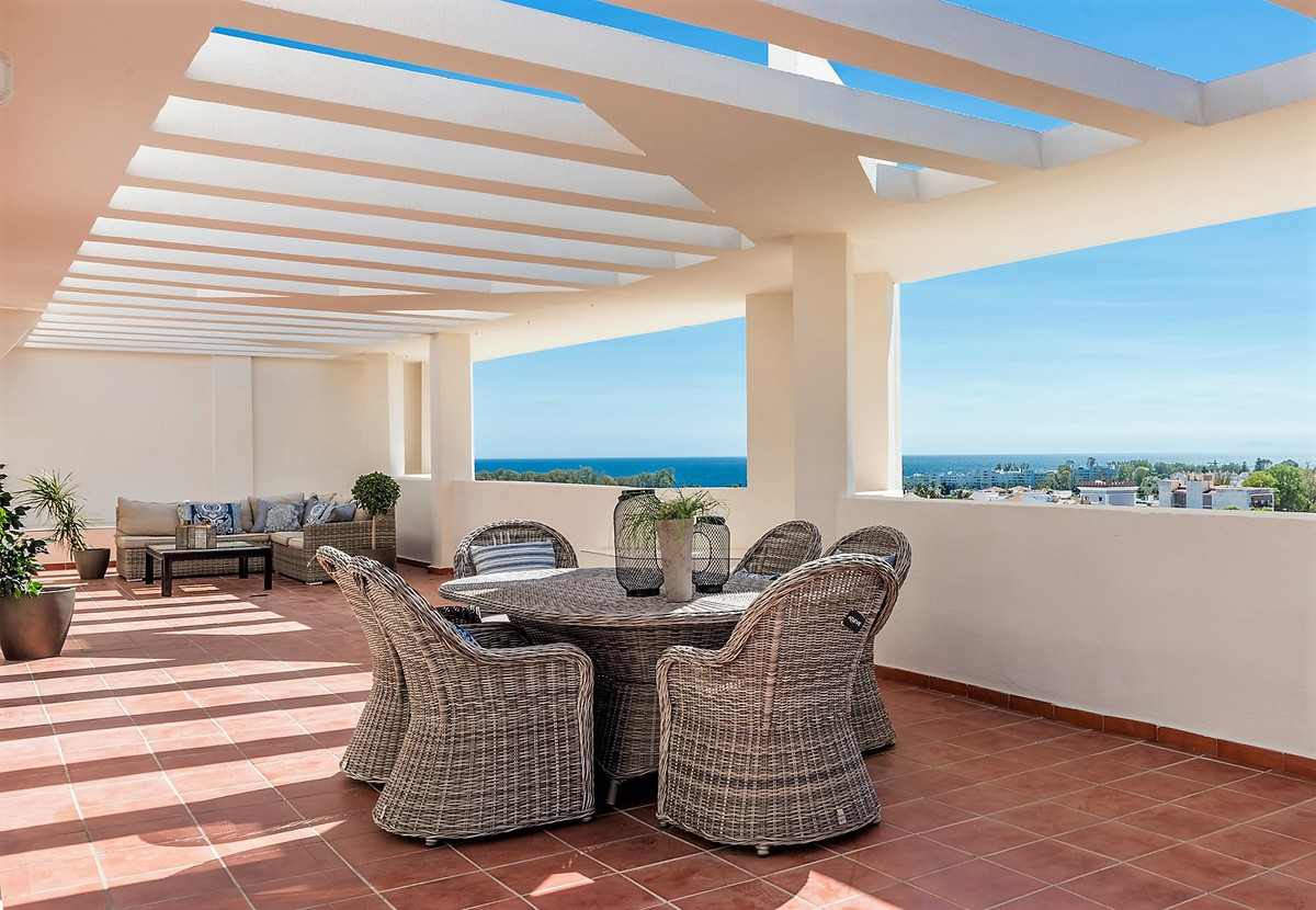 Unique opportunity to buy one of the largest penthouses in San Pedro with sea views and sights over ,Spain
