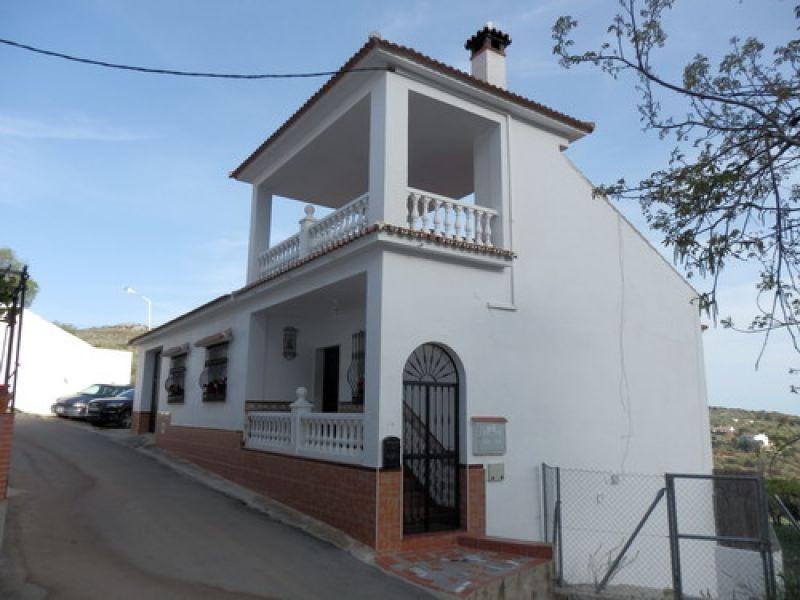 The town house with great charm and wonderful views to the mountains, 2 independe undidades; 2 rooms, Spain