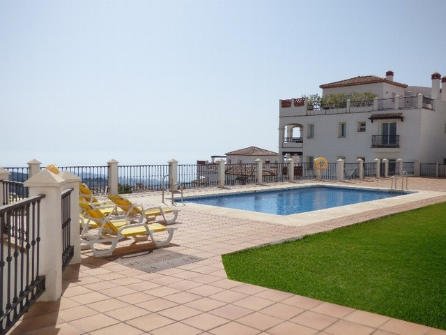 AMAZING BEAUTIFULL LUXURY PROPERTY SITUATED ON AN ELEVATE POSITION WHICH GIVE A STUNNING PANORAMIC V,Spain