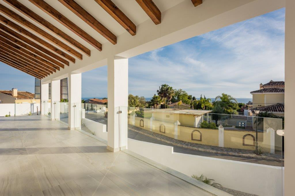 Modern style villa of 5 bedrooms with magnificent sea views in El Rosario. The rectangular plot with,Spain