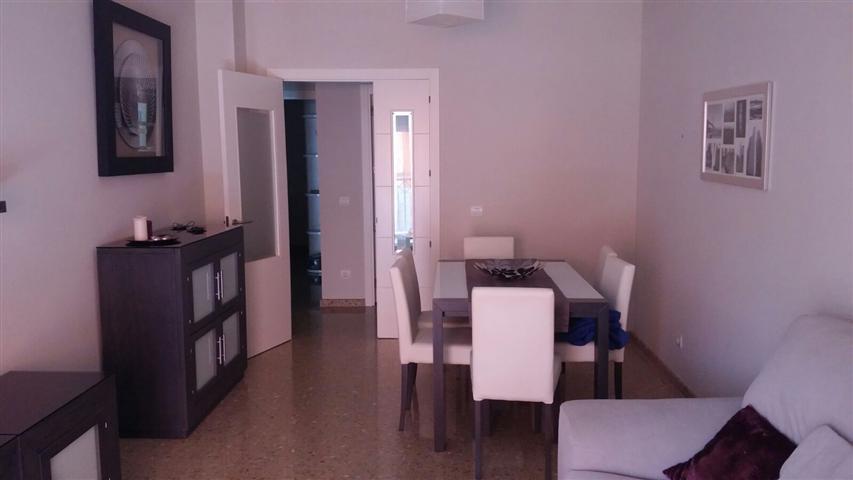Bonito apartamento de 90 m2, con 2 dormitorios, 2 banos, salon comedor, cocina,zaguan, terraza, plaz,Spain