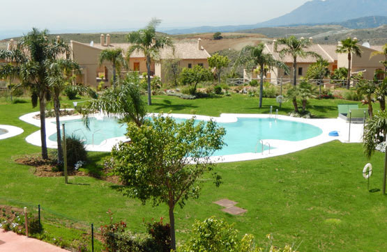 A great apartment for sale with southeast orientation located in Benahavis. Located in the prestigio,Spain