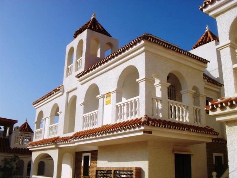 Lovely House overlooking the sea in Mezquitilla. This property consists of 3 floors, the Middle floo, Spain