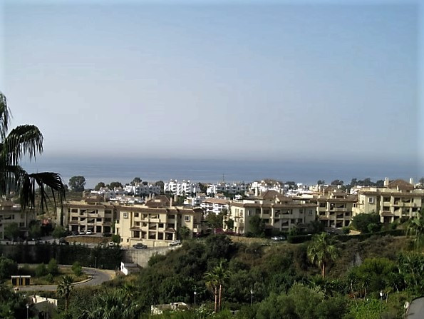 This 2 bed apartment is south facing with beautiful panoramic of the sea and the coastline, includin, Spain